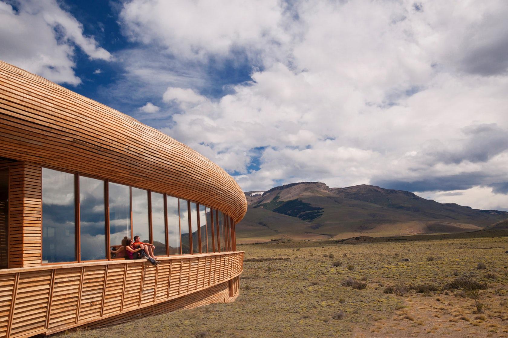 Ventanal en la parte alta del Hotel Tierra Patagonia.