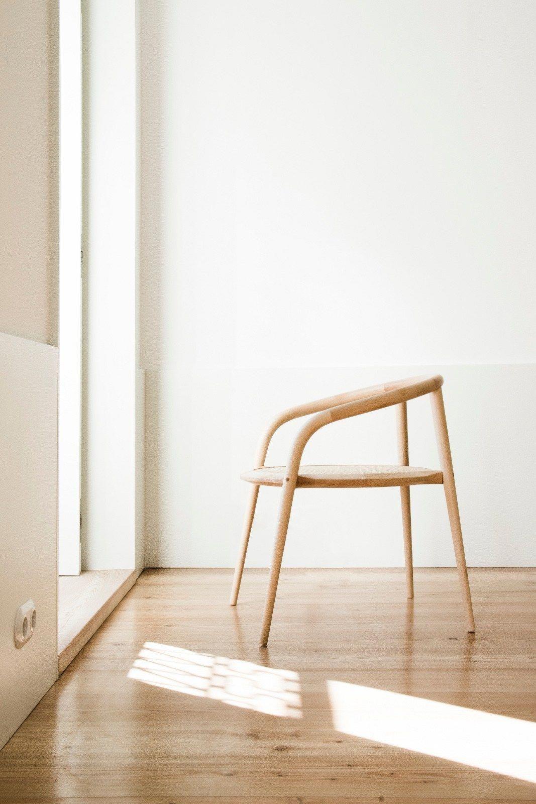 Ejemplo de silla y suelo hechos con m. de Haya.