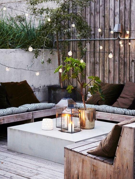 Decoración terraza con luces. Adobe Stock