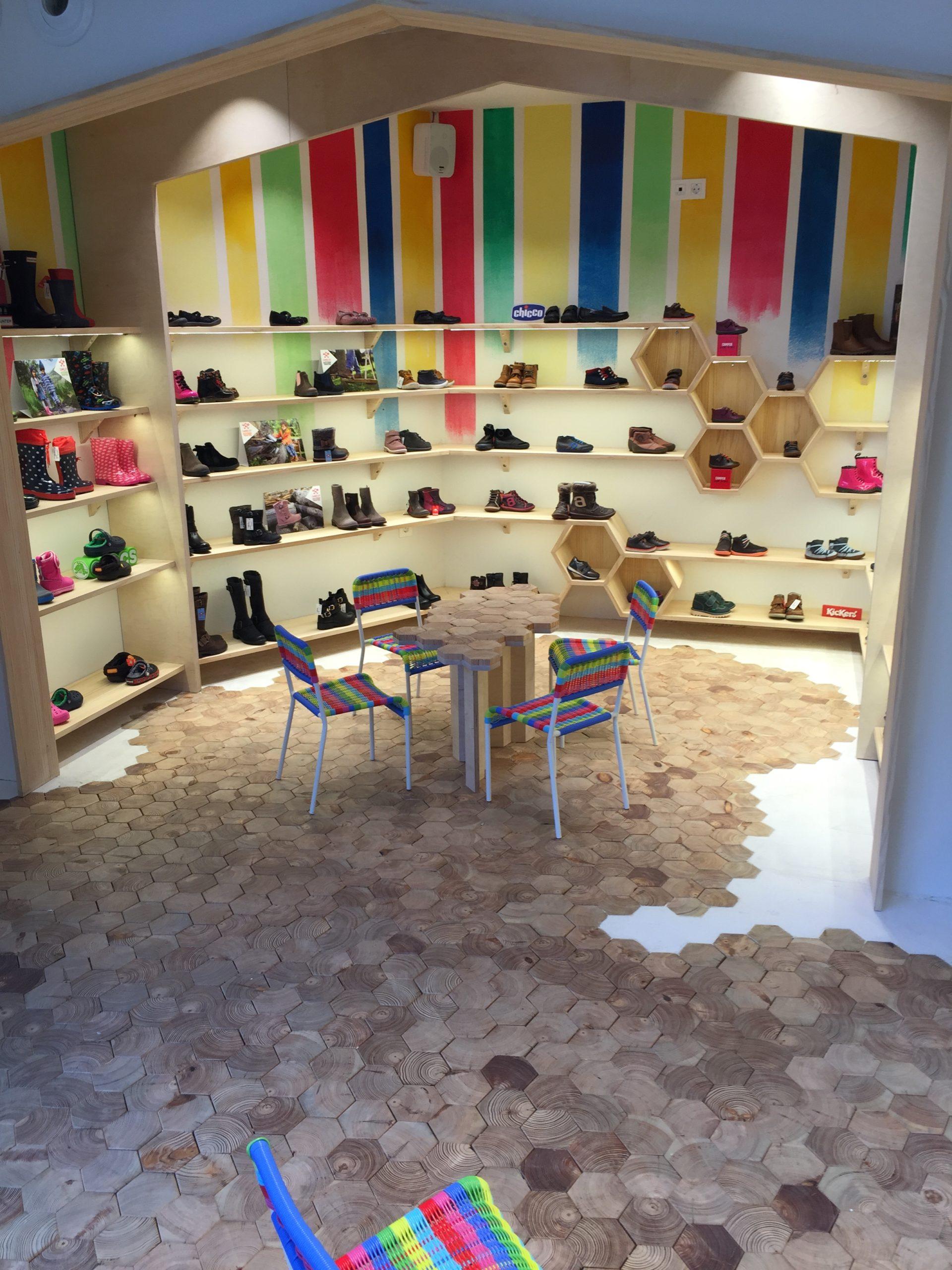 Muebles para tiendas de zapatos